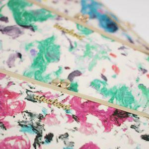 まるで絵画のような美しいお財布