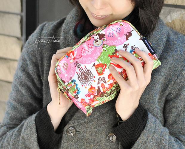 【KayoHoraguchi(カヨホラグチ)】 スクエア型 コスメポーチ