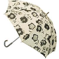 花柄とドットにプリントでオシャレさを格上げしてくれる長傘