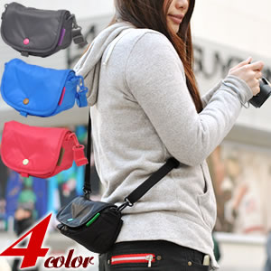 helloluluのショルダーカメラバッグSサイズ 全4色。